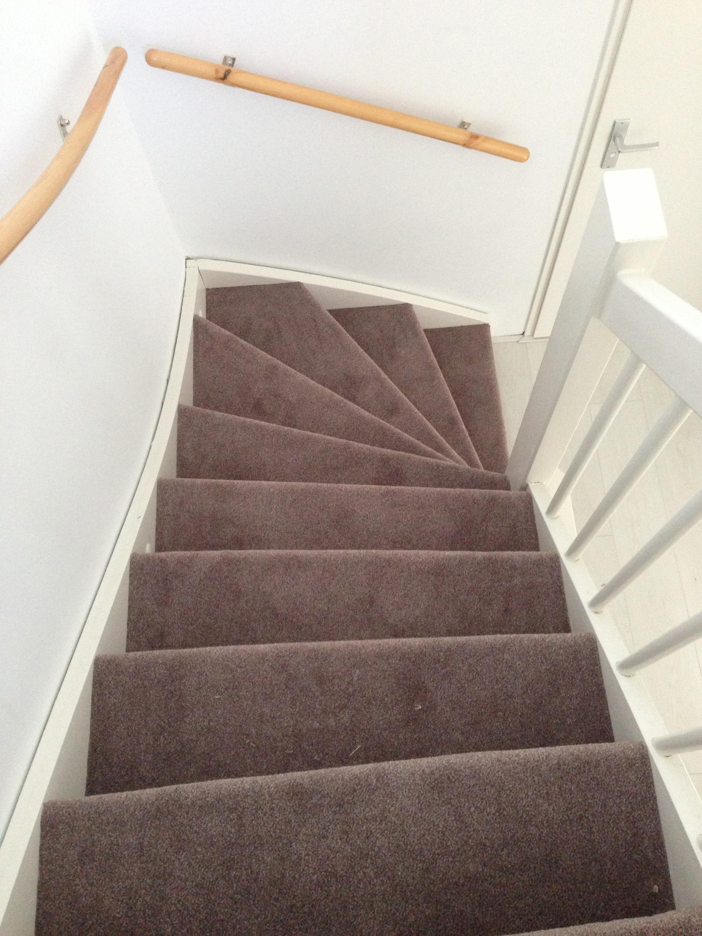 Nieuw tapijt trap badkamermeubels ontwerpen 2017 - Trap ontwerpen ...
